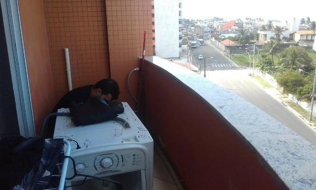 Máquina de lavar e manutenção de ar condicionado