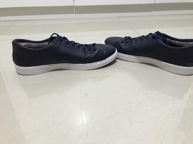 2e7a15659f5 Sapatênis Lacoste em couro azul marinho tamanho 40 - Roupas e ...