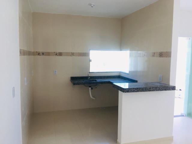 Linda casa com documentação gratis:fino acabamento, 3 quartos , 2 banheiros , 3 vagas - Foto 7