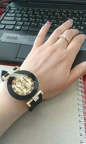 Relógio feminino com caixinha