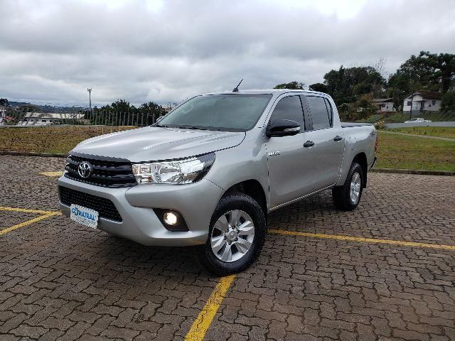 Toyota Hilux STD 2.8TDi 4x4