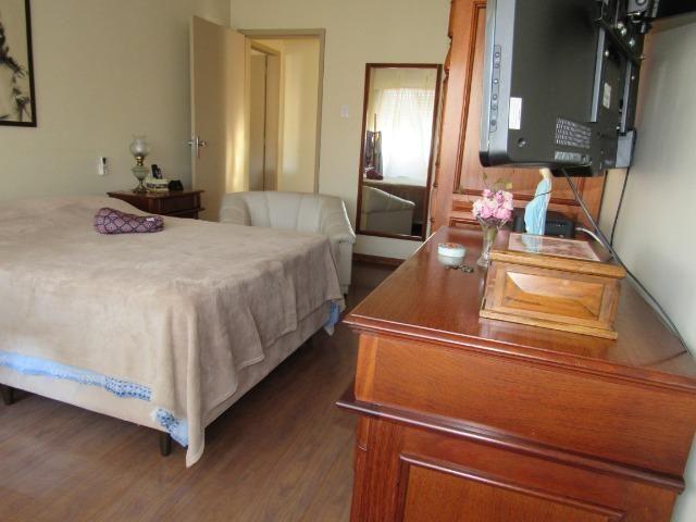 Apartamento três dormitórios,quarto andar - Foto 5