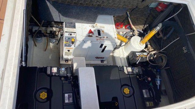Lancha 33 pés à Diesel completa de tudo + carreta de alumínio  - Foto 6