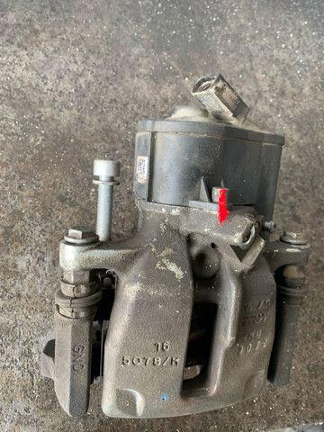 Pinça jetta passat tiguan com freio de mão elétrico  - Foto 3