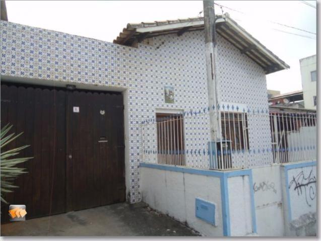 Casa térrea 2/4 com anexo 3/4 sendo 2 suítes 3 vagas bem localizada perto da praia