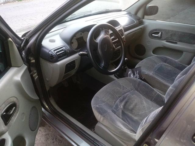 Clio sedan 1.6 completo R$11.500 abaixo da Fipe - Foto 5