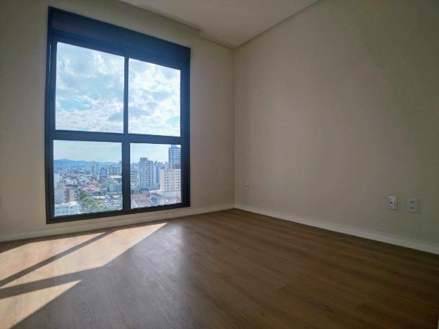 Amplo Apartamento 3 Dormitórios(1Suíte+2D) + Lavabo com 2 Vagas no Centro de Itajaí! - Foto 13