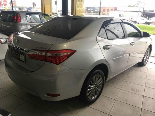 Toyota Corolla Sedan Xei  - Foto 3