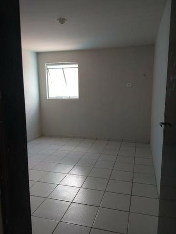 Apartamento para Aluguel - em Barro Duro - Foto 4