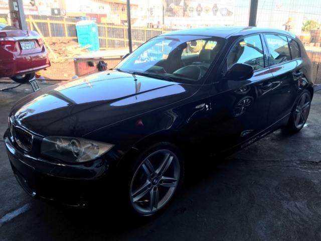 BMW  130i 3.0 SPORT HATCH 24V GASOLINA 2010