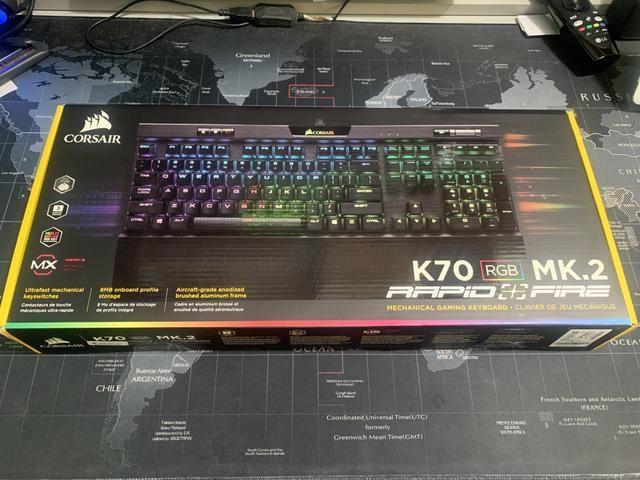 Teclado gamer Corsair K70 MK 2 RGB Switch Cherry MX Speed