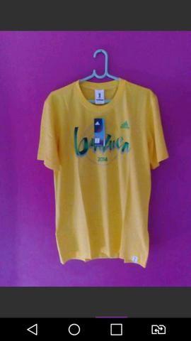 Camiseta Adidas Brazuca Original e Nova Tam P 60,00 (Menor Preço)