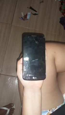 Vendo celular LG k10 200$ está com um trinco na tela mas está funcionando perfeitamente