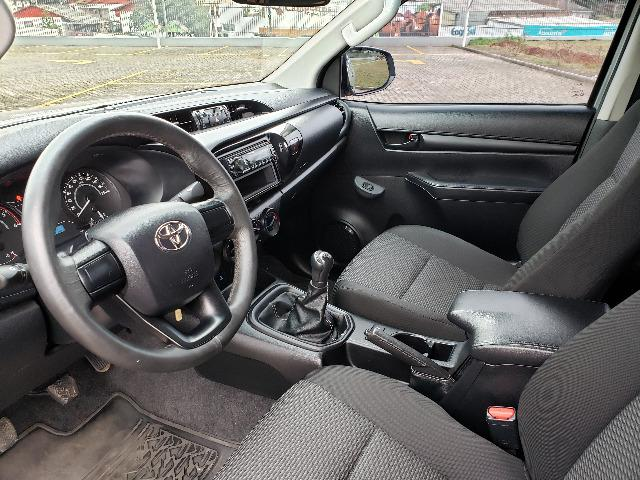 Toyota Hilux STD 2.8TDi 4x4 - Foto 8