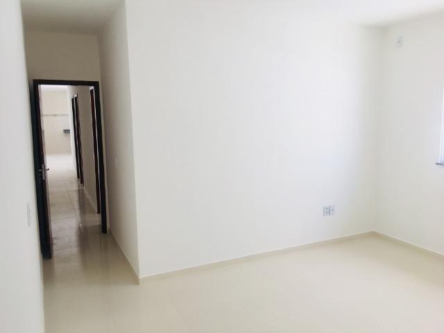 Linda casa com documentação gratis:fino acabamento, 3 quartos , 2 banheiros , 3 vagas - Foto 11