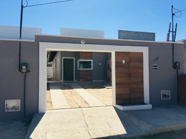 Linda casa com documentação gratis:fino acabamento, 3 quartos , 2 banheiros , 3 vagas - Foto 3