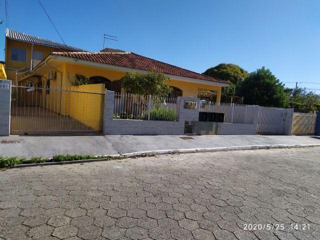 Casa com 2 dormitórios e demais dependencia no Campeche Florianópolis