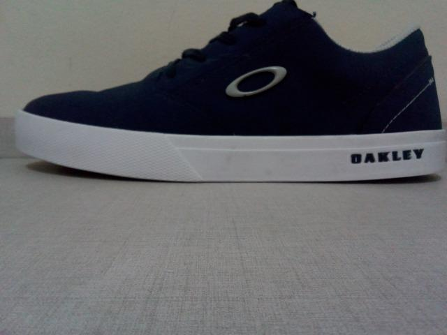 Tênis Oakley Azul (Usado muito pouco)