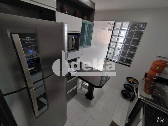 Apartamento à venda com 3 dormitórios em Saraiva, Uberlândia cod:33971 - Foto 13