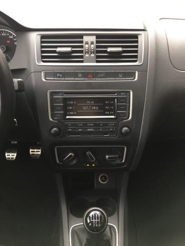 Vendo Volkswagen Crossfox 1.6 2015 Único dono. Aceito trocas de menor valor - Foto 11