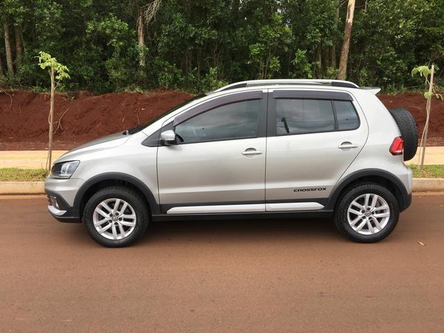 Vendo Volkswagen Crossfox 1.6 2015 Único dono. Aceito trocas de menor valor - Foto 2