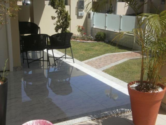 Lauro Casa 4/4 no Cond. Foz do Joanes - Foto 11