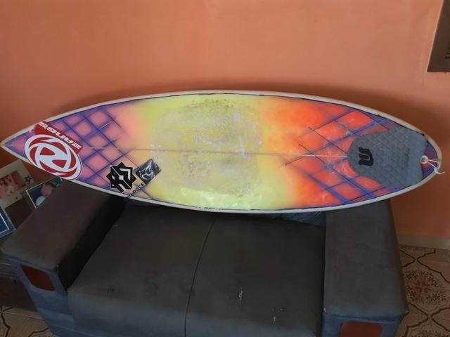 IMPERDÍVEL Prancha de surf R$300,00 - Foto 2