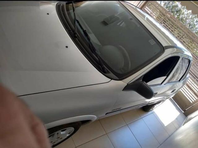 Vende-se, Classic Spirit 2007/08, Prata, Direção hidráulica, Vidros elétricos,Pneus Novos - Foto 3
