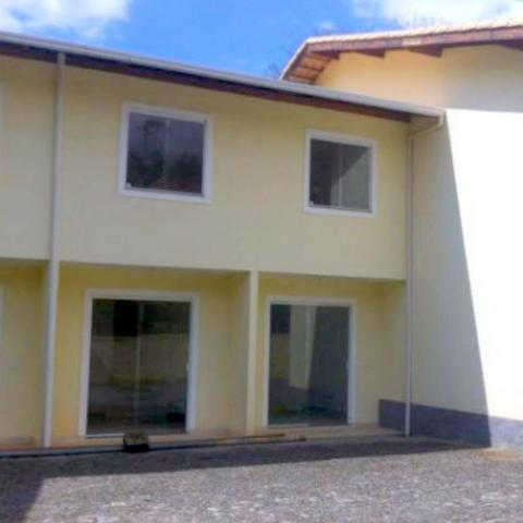 C147 Casa em condomínio Alto das Braunes, Nova Friburgo-RJ