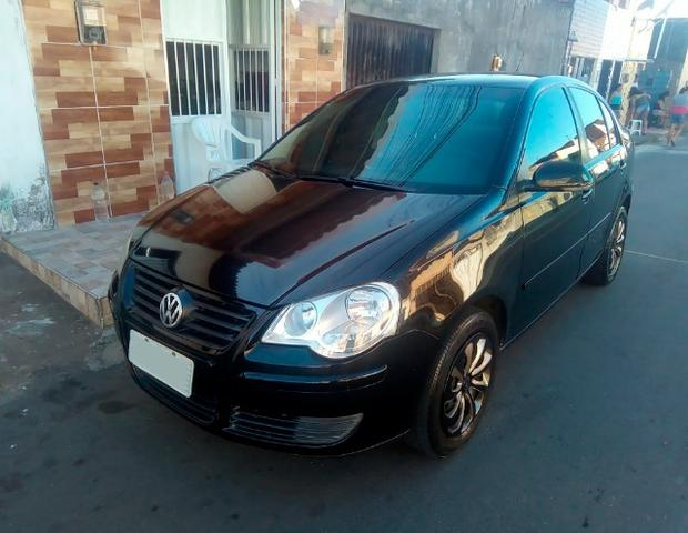 Volkswagen Polo Sedan 1.6 8V (Flex) 2011 completo