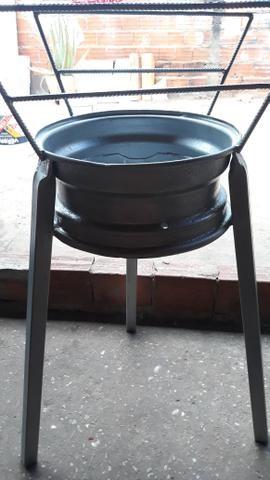 Vendo uma churrasqueira 80 reais - Foto 3