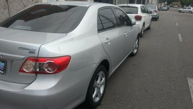 Toyota Corolla 1.8 GLI 2012 AUT extra! banco de couro, aceito motos e carros menor valor - Foto 5