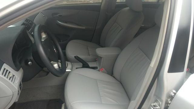 Toyota Corolla 1.8 GLI 2012 AUT extra! banco de couro, aceito motos e carros menor valor - Foto 9