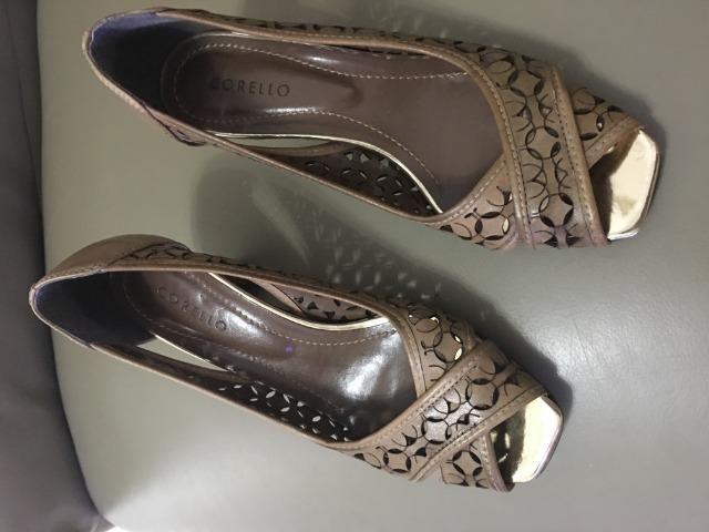 Sapato peep-toe da