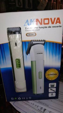 0294c0407 Maquina de aparar e cortar cabelo AK Nova ak302 em promoção - Beleza ...