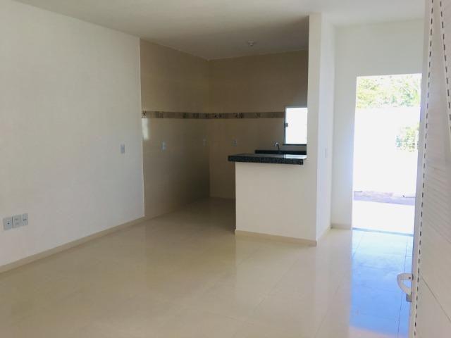 Linda casa com documentação gratis:fino acabamento, 3 quartos , 2 banheiros , 3 vagas - Foto 5