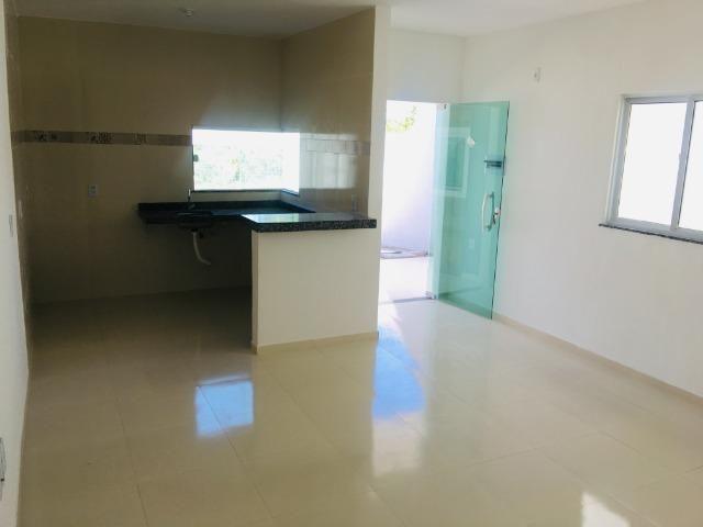 Linda casa com documentação gratis:fino acabamento, 3 quartos , 2 banheiros , 3 vagas - Foto 6