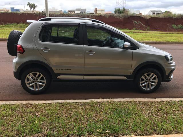 Vendo Volkswagen Crossfox 1.6 2015 Único dono. Aceito trocas de menor valor - Foto 7