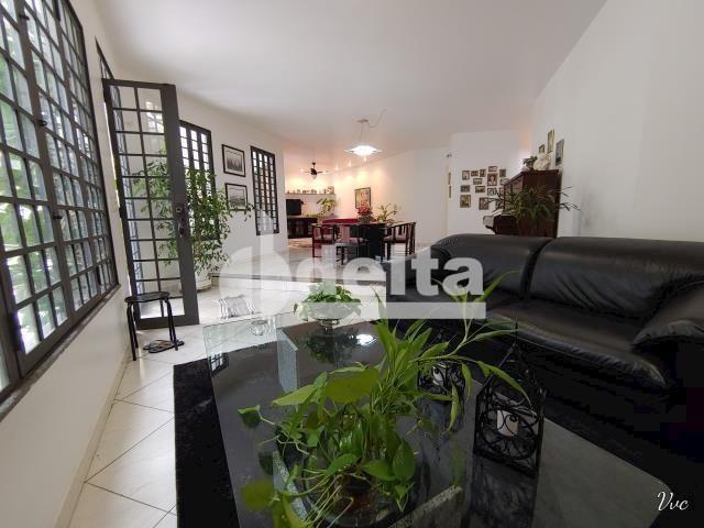 Casa à venda com 3 dormitórios em Jardim karaíba, Uberlândia cod:33979