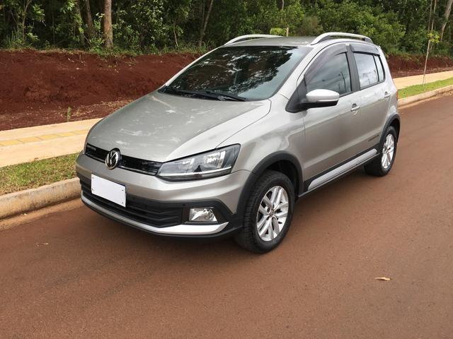 Vendo Volkswagen Crossfox 1.6 2015 Único dono. Aceito trocas de menor valor