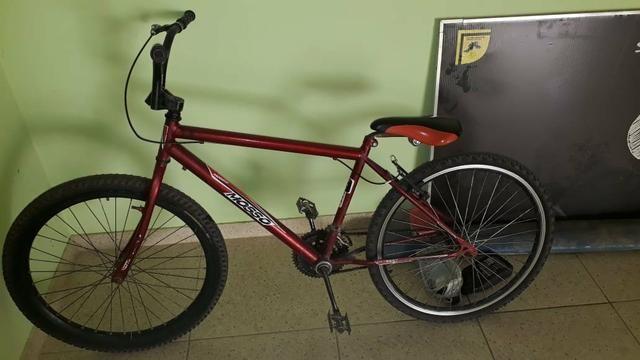 Vendo ou troco bike valor negociável - Foto 2
