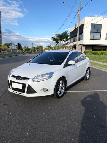 Ford Focus 2.0 Sedan Powershift - Foto 9
