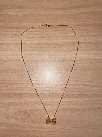 3 colares dourados com brilho nos pingentes  - Foto 6