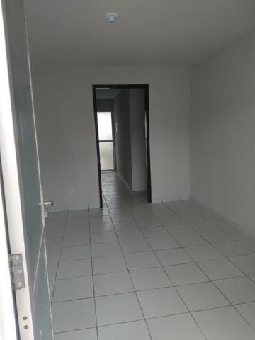 Apartamento para Aluguel - em Barro Duro
