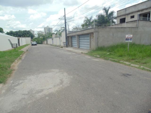 Vende-se terreno (em Bairro Nobre e com o menor valor por m2 da região) - Foto 3