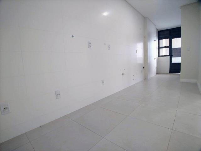 Amplo Apartamento 3 Dormitórios(1Suíte+2D) + Lavabo com 2 Vagas no Centro de Itajaí! - Foto 5
