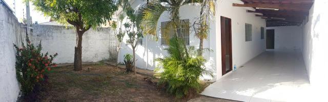 Casa de esquina, perto da Burn Fit da Abel Cabral