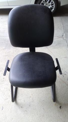 Cadeiras com base fixa - Foto 2