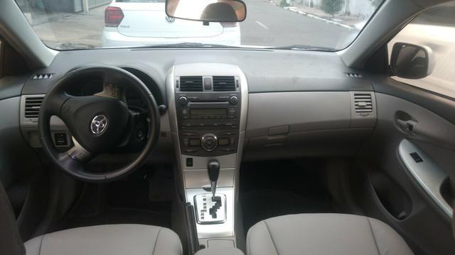 Toyota Corolla 1.8 GLI 2012 AUT extra! banco de couro, aceito motos e carros menor valor - Foto 8