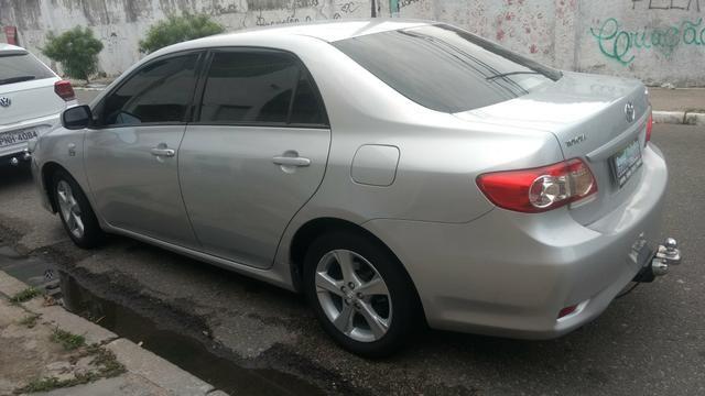 Toyota Corolla 1.8 GLI 2012 AUT extra! banco de couro, aceito motos e carros menor valor - Foto 6